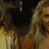"""SNATCHED red & green band trailer – Amy Schumer and Goldie Hawn get """"Liam Neeson taken"""""""