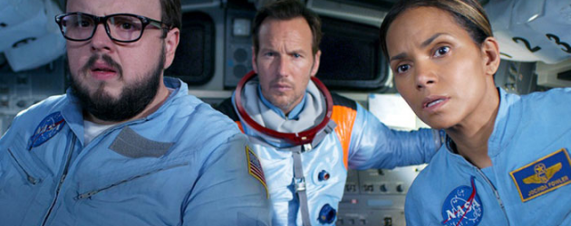MOONFALL trailer – Roland Emmerich is back in the director chair, to destroy Earth with the moon