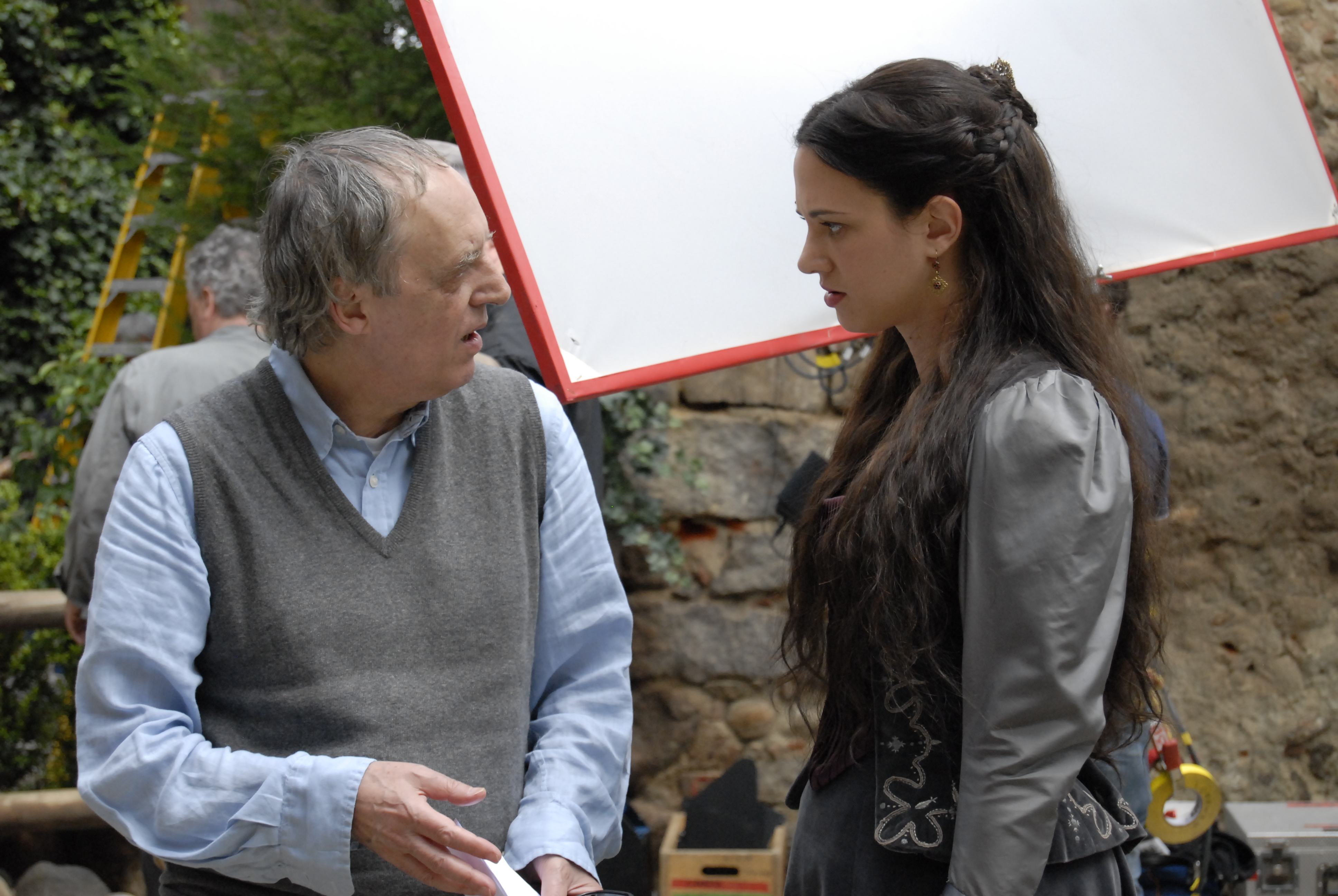 4.  DARIO ARGENTO DIRECTING HIS DAUGHTER ASIA ARGENTO AS LUCY FOR ARGENTO'S DRACULA 3D