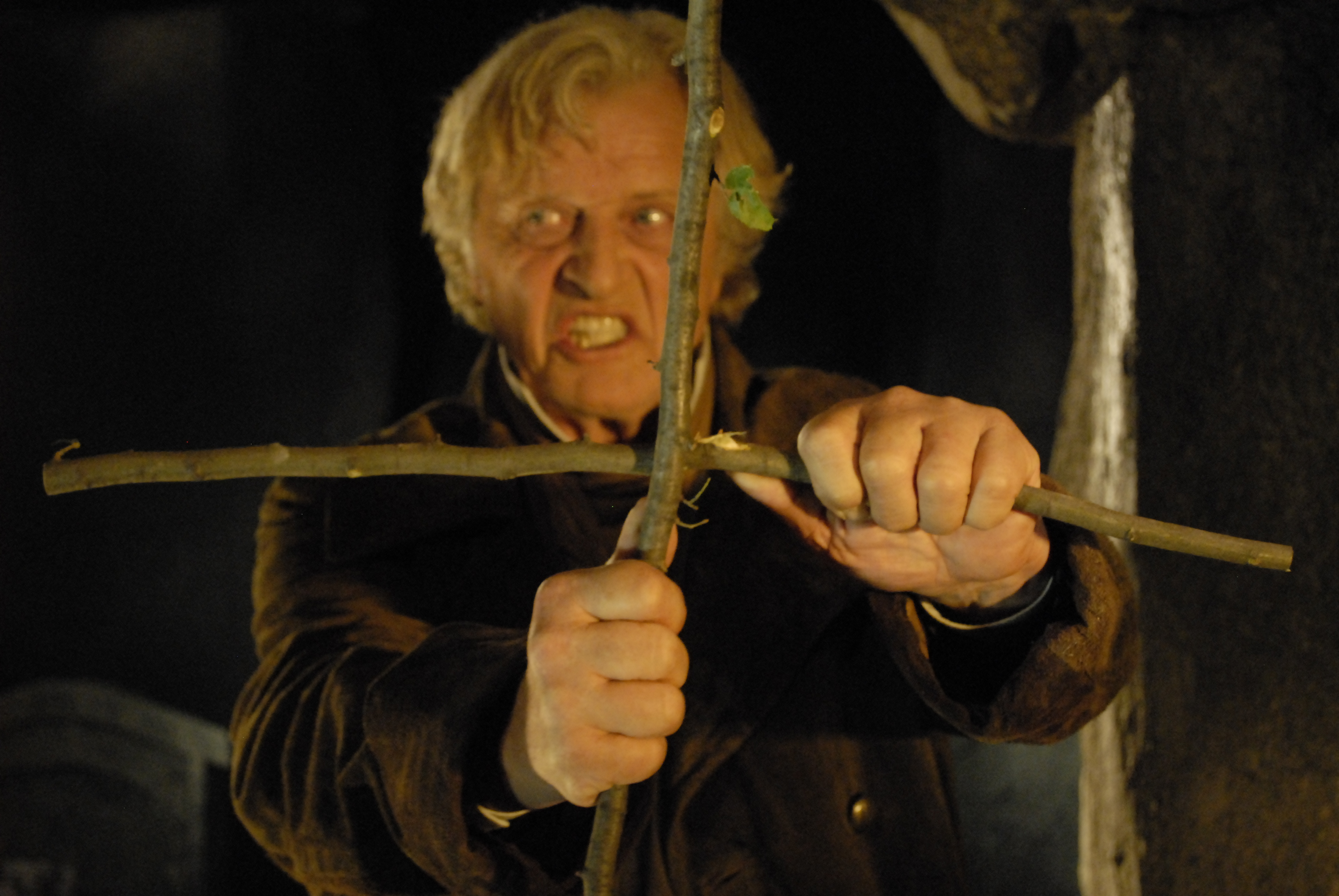 8. RUTGER HAUER HAS A CROSS TO BEAR AS THE VAMPIRE HUNTER VAN HELSING IN ARGENTO'S DRACULA 3D