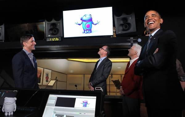 Obama visits DreamWorks, praises entertainment industry